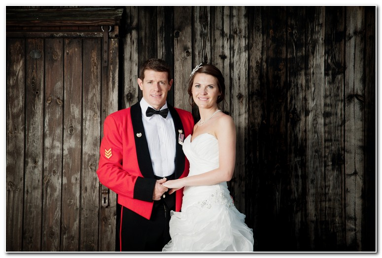 Muddifords court wedding photographer